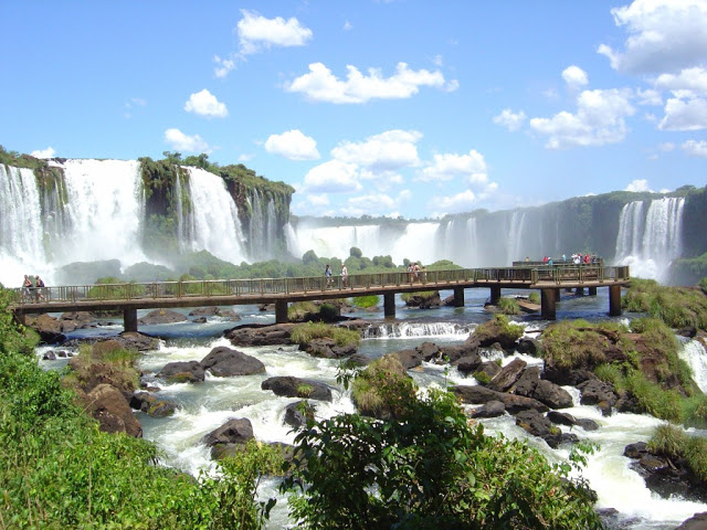 Largest-waterfalls-in-the-world-brazil