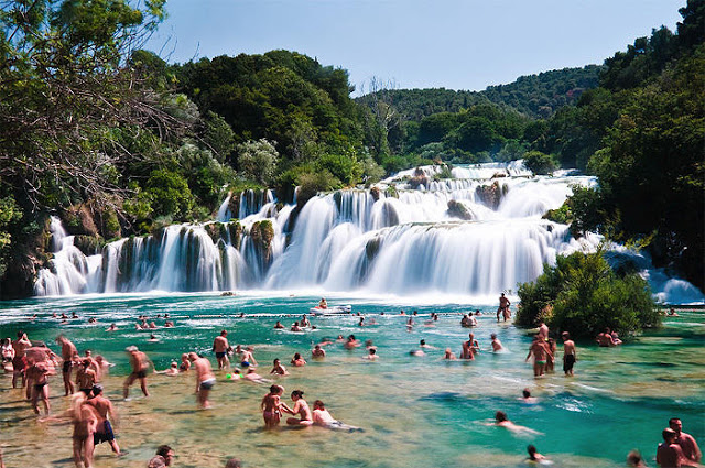 most-beautiful-incredible-famous-best-waterfalls-in-the-world
