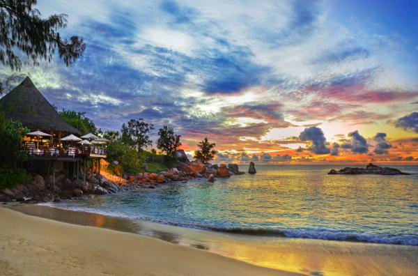 top-10-beautiful-best-beach-vacations-in-the-world